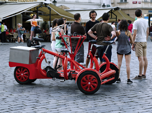 Attraction seven-seat bike (bicycle bus)